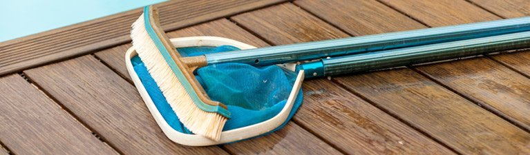 leisure coast pool centre brush and net