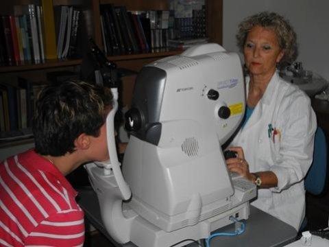 esperta in tomografia ottica computerizzata