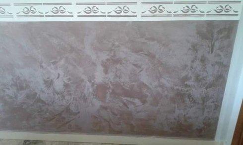 parete in marmo danneggiata