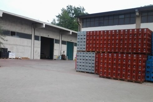 magazzino deposito acqua