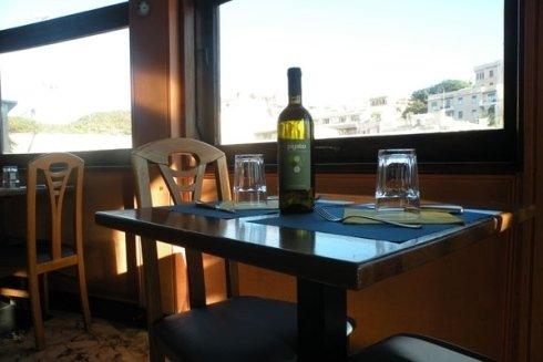 Il risotrante propone vini provenienti dalle migliori cantine.