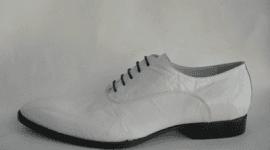 scarpa da uomo bianca