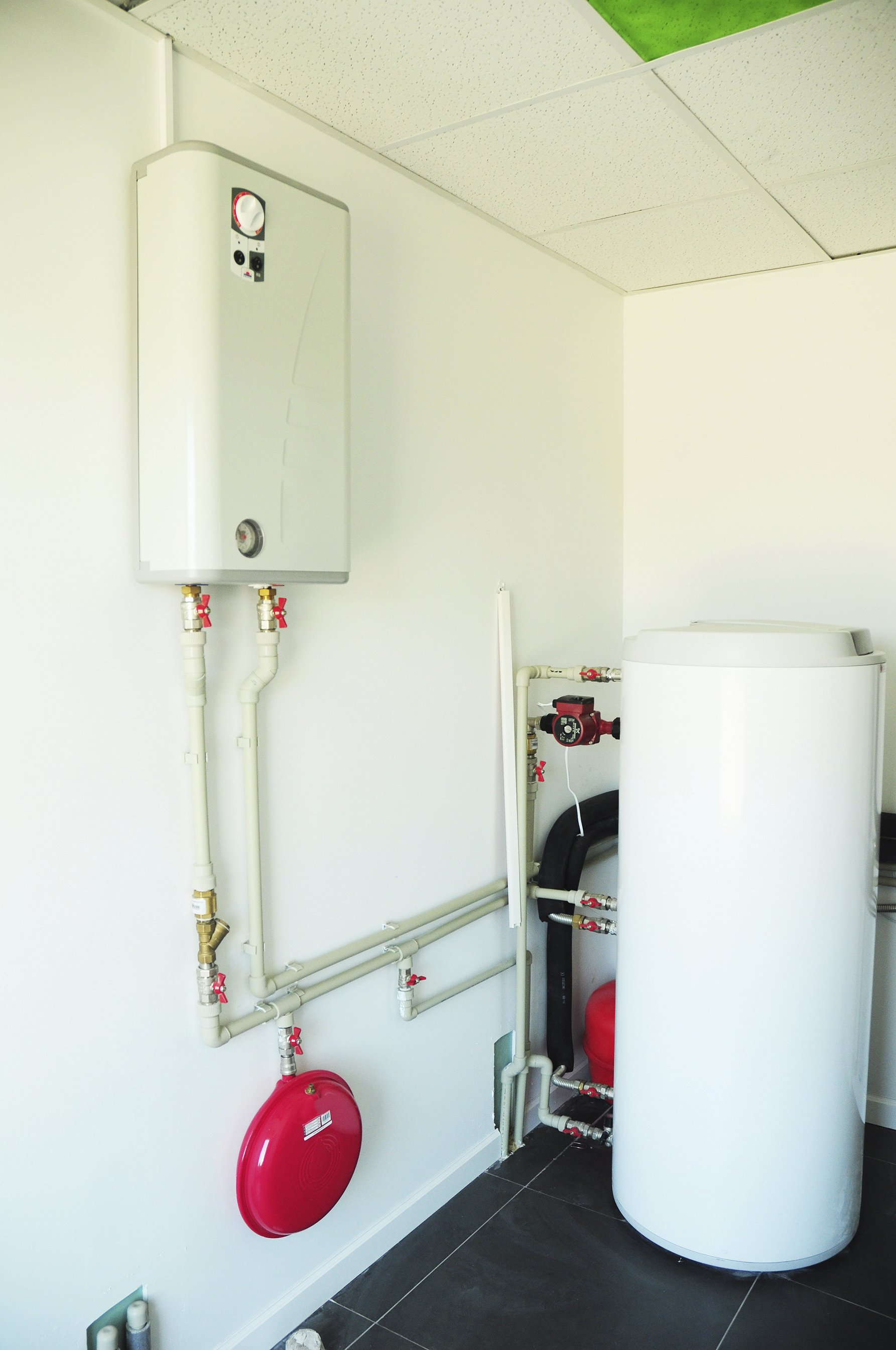 Hot Water Heaters in Chagrin Falls, Solon, Aurora, Chesterland & Hudson OH