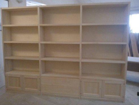 libreria in pioppo massiccio su misura