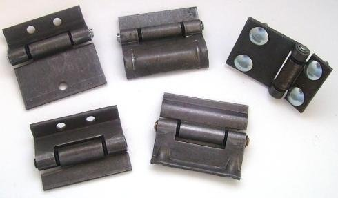 hinges for agricultural vehicles