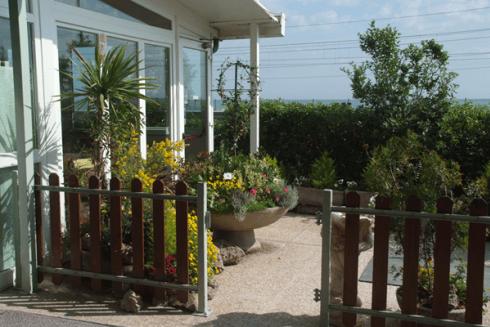 Il ristorante è a due passi dalla riva del mare!