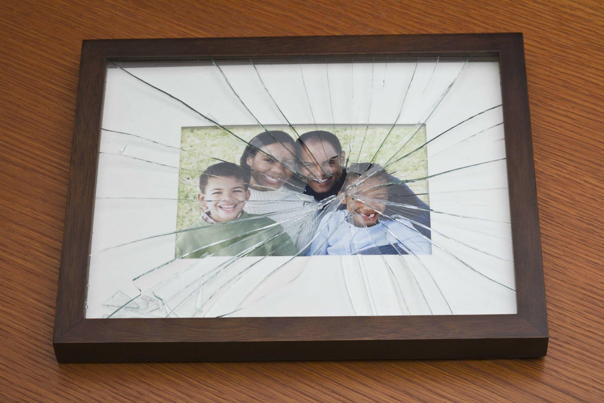 Broken-picture-frame