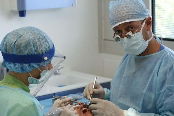 confronti periodici con altri dentisti