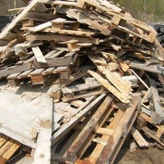 Raccolta legno di scarto