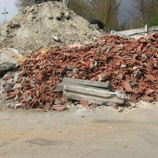 Raccolta scarti materiale edile