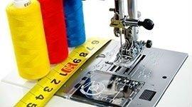 macchina da cucito e fili