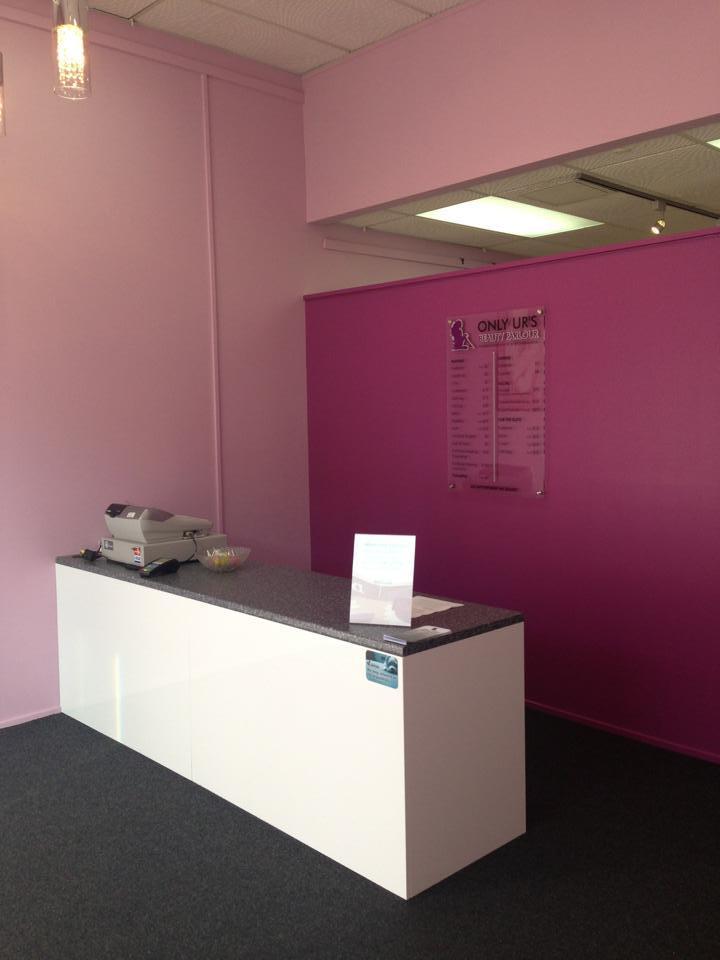 Peachy beauty parlour in Dunedin