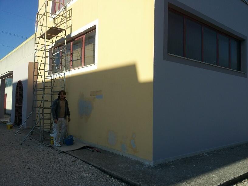 tinteggiatura esterna pareti capannone
