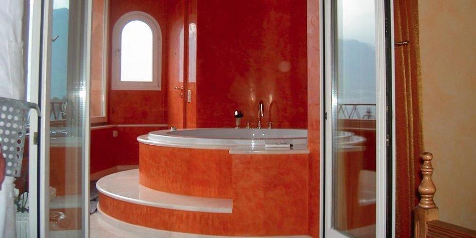 stucco antico bagno