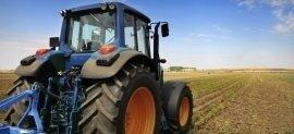 attrezzature agricole, macchinari tecnologici, noleggio trattori