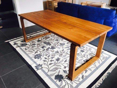 tavolo in legno laccato