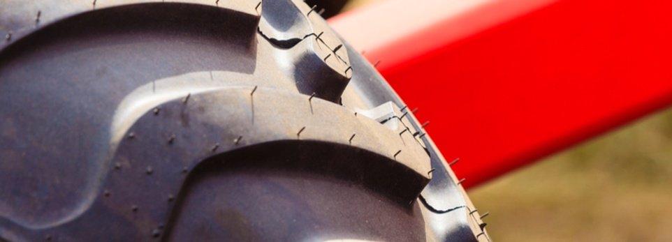 pneumatico di un macchinario agricolo
