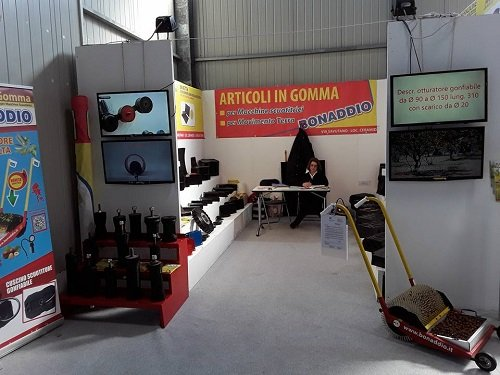 exhibition stand for rubber products