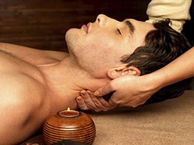 Massaggi decontratturanti uomo