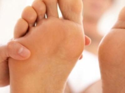 Trattamento mani e piedi uomo