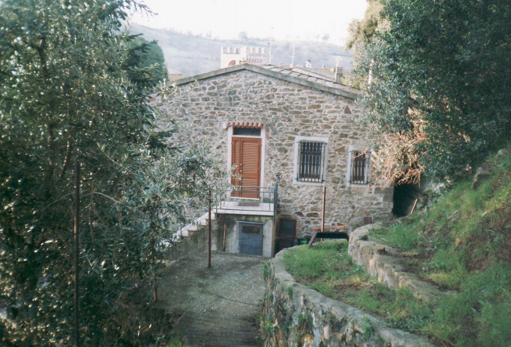 una casa in pietra