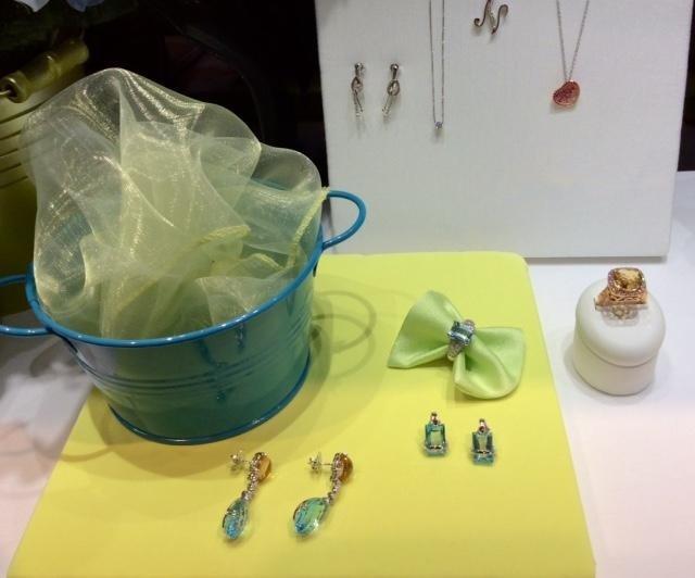 orecchini e anelli con acquamarina