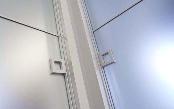 dettaglio porte a vetro
