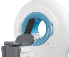 Newtom 5G :  Si tratta dell'unico macchinario di tipo CBCT che permette il posizionamento disteso del paziente, limitando così la dose di raggi ed al contempo garantendo una definizione di immagine senza eguali negli esami 3D insieme ad esami 2D e filmati radiologici.
