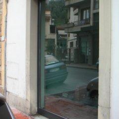 Pulizia vetri e vetrine negozi