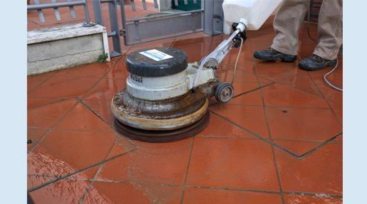 Lucidatura e trattamento pavimenti