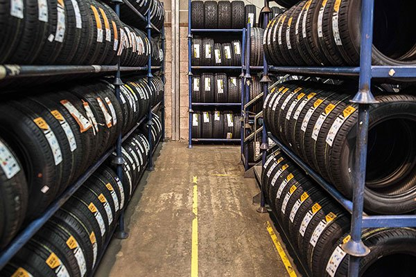 wholesale tyre store