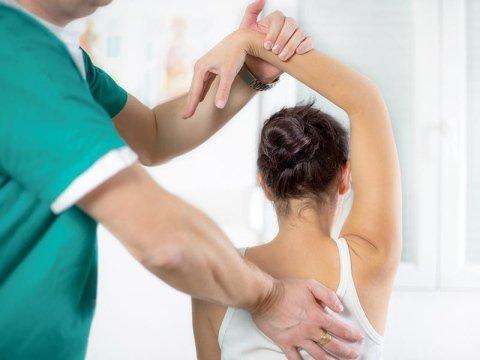 trattamenti per mal di schiena parte alta