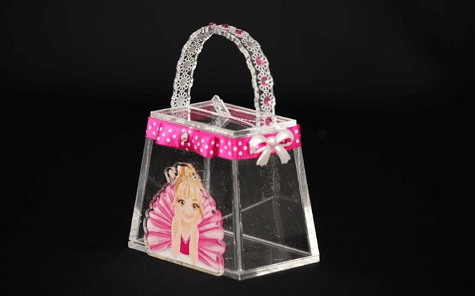 borsa in plastica con decorazione