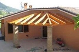 tetto in legno per veranda a porto cervo