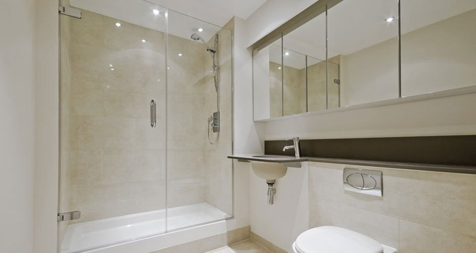 Customised shower screens for your bathroom in London