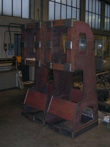 manufatto carpenteria grezza