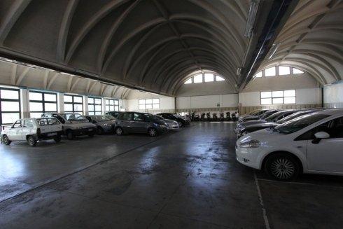 Parcheggio coperto aperto la domenica