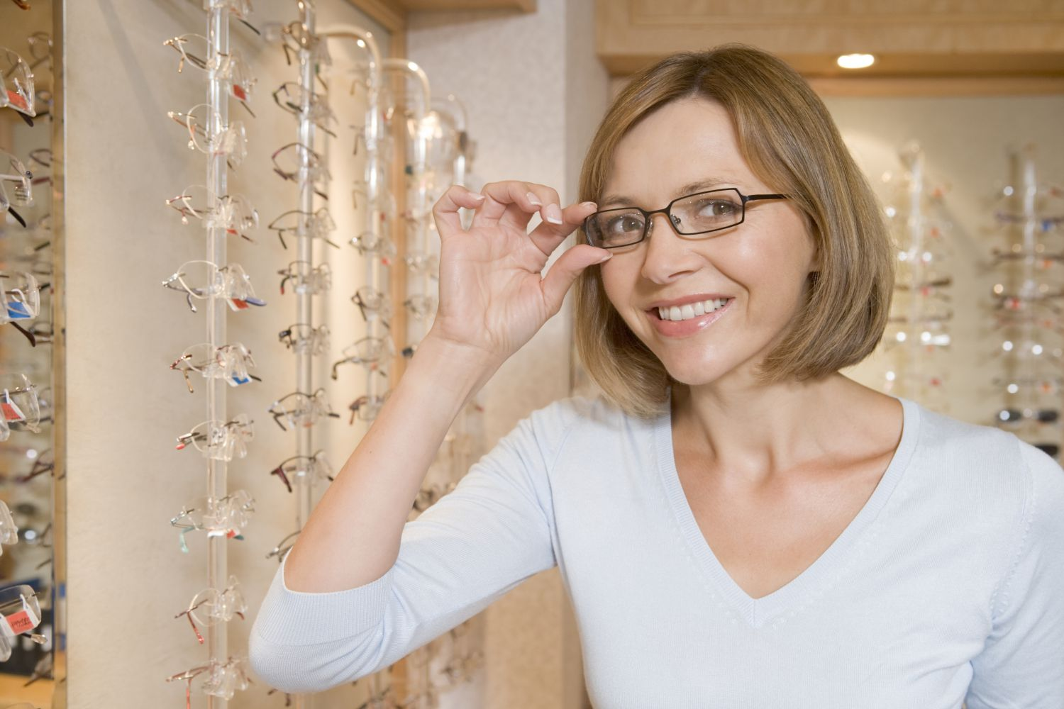 Woman satisfied with eye care in Anchorage, AK
