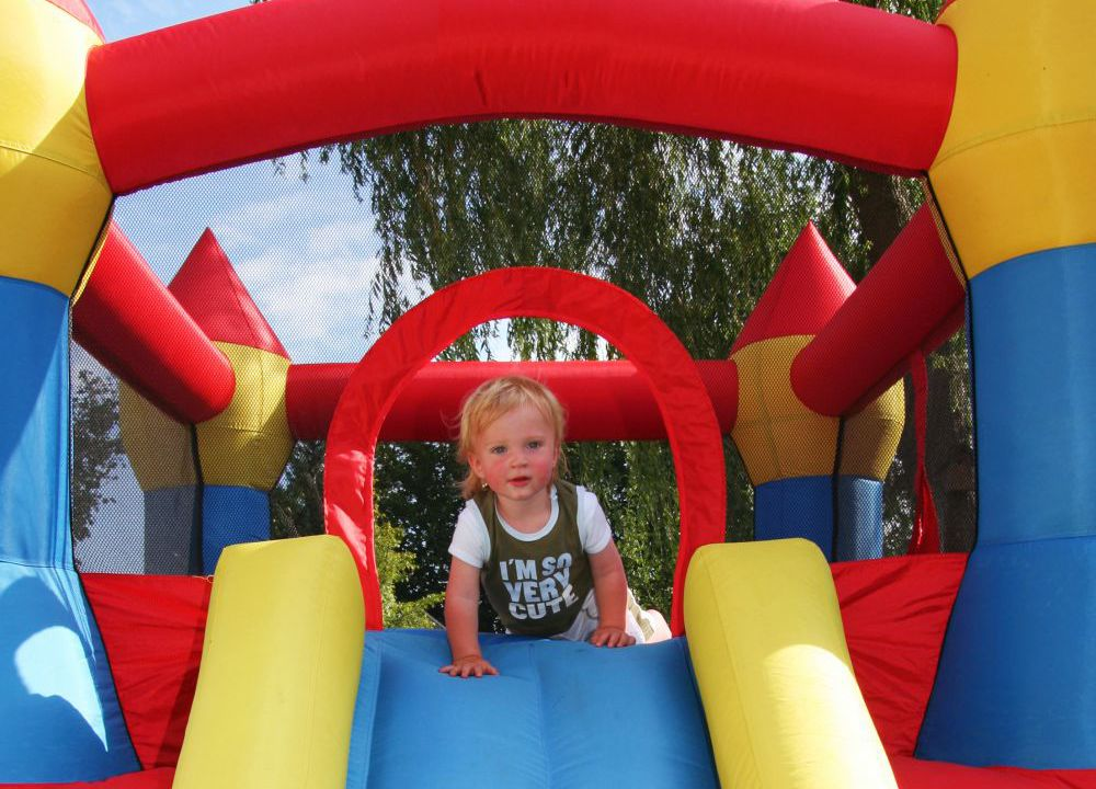 Team that brings the rented attractions to your child's party in Wailuku, HI