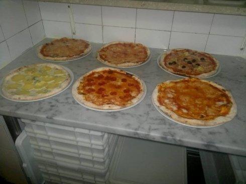 le pizze appena sfornate