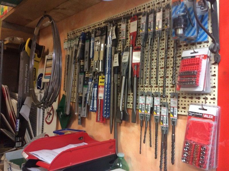 strumenti di ferro per ferramenta