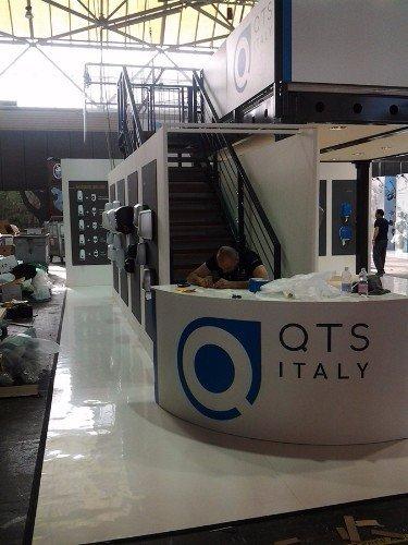 un bancone di QTS Italy