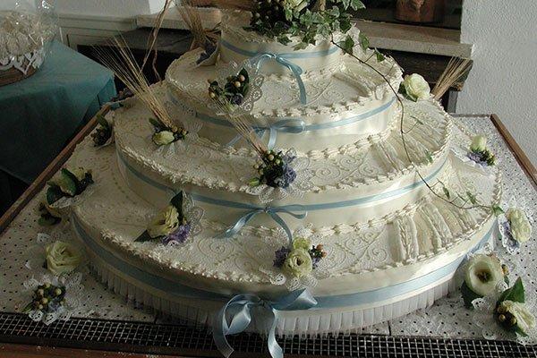 torta nuziale piu piani