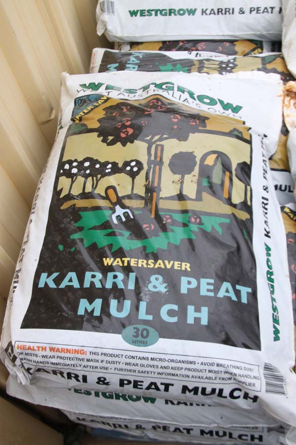 karri and peat mulch