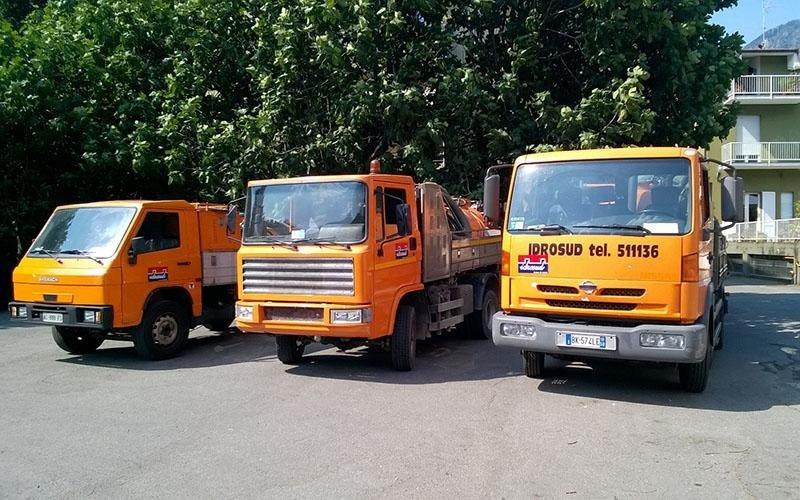 camion smaltimento rifiuti speciali