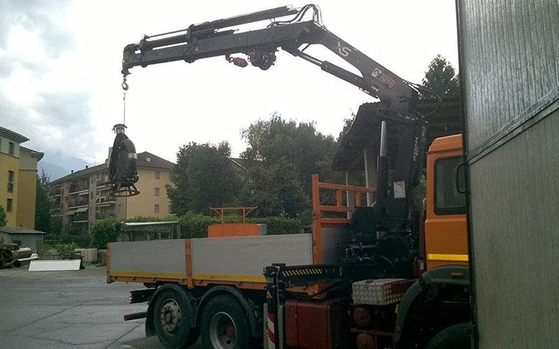 camion argano supporto trivelle