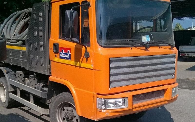 fronte camion spurghi