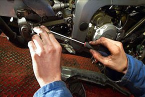 Engine repairs - London, England - Motor Tech Services - Motorcyle repair