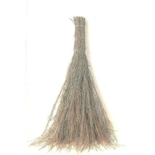 Handmande three-wire brooms in Arezzo, Tuscany