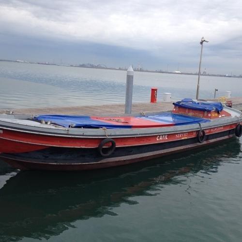 Motobarca per trasporto laguna
